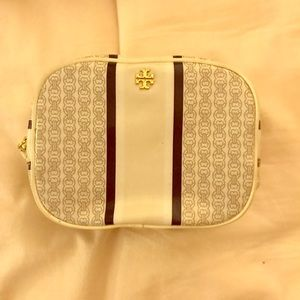 Tory cosmetic case